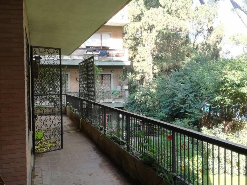 Appartamento via Cassia 849, Roma