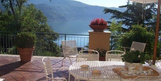 Villa Castel Gandolfo vista lago
